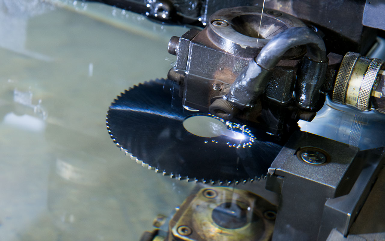 Elettroerosione a filo e a tuffo - MDP Precision Machining